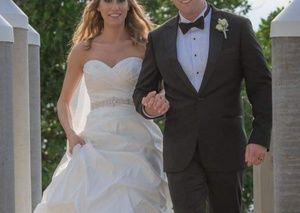 Paloma Blanca sweatheart wedding gown